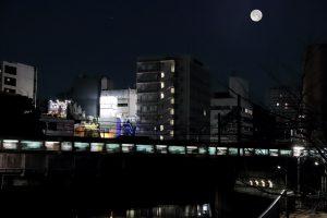 0122五反田早朝満月